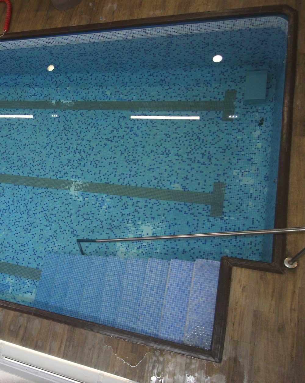 colegio-mayor-universsitario-zaragoza-piscina-1