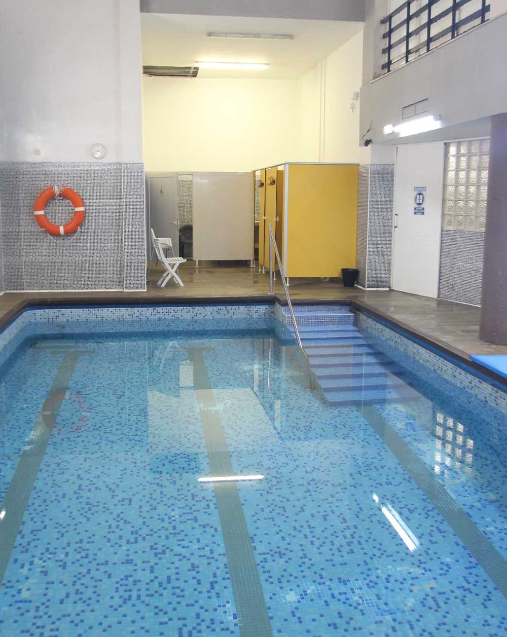 colegio-mayor-universsitario-zaragoza-piscina-11